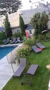 hotel dans la chambre ile de vue de la chambre sur la piscine et le château de noirmoutier
