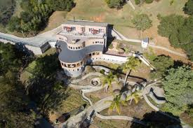 Craigslist 2 Bedroom House For Rent by On Craigslist Today You Can Rent An Estate A Castle Or An