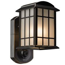 maximus smart security with 1 light outdoor wall lantern