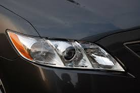 how to change the headlight bulbs in your toyota camry chilton s