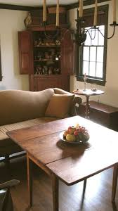 Primitive Living Rooms Pinterest by 31 Best Sofas Images On Pinterest Sofas Federal And Antique