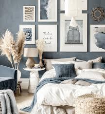 blau beige wanddeko blau schlafzimmer weiße holzrahmen