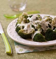 cuisiner le brocolis brocolis sauce roquefort les meilleures recettes de cuisine d
