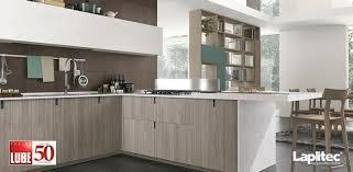 cuisine lube matériaux plan de travail cuisine lube choisit vesuvio et satin de