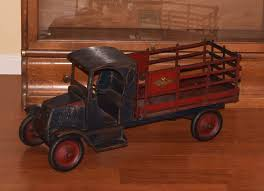 100 Packard Trucks American National Toy Price Guide