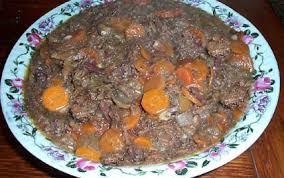 cuisiner la biche recette le ragoût de biche aux chicons 750g