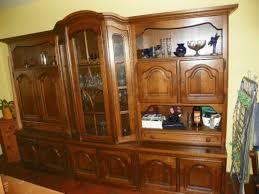 wohnzimmerschrank eiche rustikal massiv ohne deko