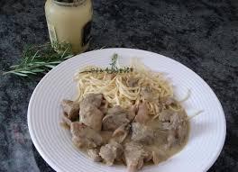 cuisiner un sauté de porc recette de sauté de porc à la moutarde la recette facile