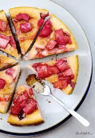 fruchtiger rhabarber cheesecake mit ingwer kekskrümelboden
