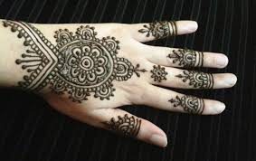30+ Easy Henna Mehndi Designs That You Can Draw Yourself - Listaka 25 Beautiful Mehndi Designs For Beginners That You Can Try At Home Easy For Beginners Kids Dulhan Women Girl 2016 How To Apply Henna Step By Tutorial Simple Arabic By 9 Top 101 2017 New Style Design Tutorials Video Amazing Designsindian Eid Festival Selected Back Hands Nicheone Adsensia Themes Demo Interior Decorating Pictures Simple Arabic Mehndi Kids 1000 Mehandi Desings Images