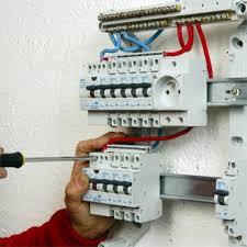 comment installer un tableau électrique précâblé