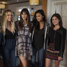 Pll Halloween Special 2014 Online by Here U0027s Where I Marlene King Dropped A D Clues In Pretty Little