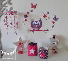 chambre enfant violet décoration chambre enfant bébé fille fuchsia violet poudré