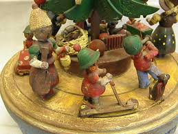 Steins Christmas Trees by Charming Vintage Steinbach Musical Christmas Tree Merry Go Round
