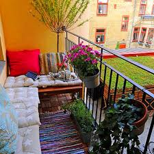 3Cute Idea For An Apartment Balcony Those Who Live In The City Life