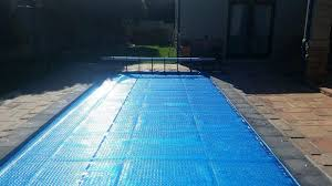 Roll Up Pool Cover Bubble Solar Blanket Easy