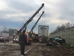 100 Semi Truck Accident On I 75 Monica Castro On Twitter Heres A Look At Towing Crews Cleaning Up