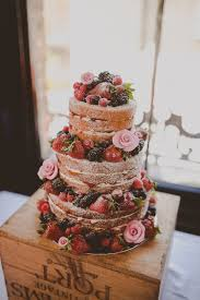 Naked Wedding Cake Ideas Sponge Bare Layer Victoria Berries Inspiration Flowers Modernvintageweddings