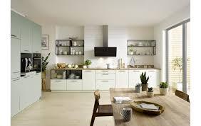 küchenzeile global 55 100 im trendigen grün mit seperaten technikschrank und vielen details