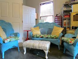 make it matched by painting wicker furniture holoduke