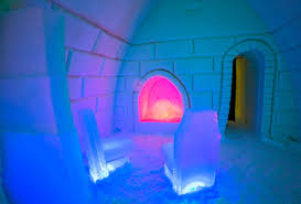 Arctic Snow Hotel looking for Northern Lights spotter in Finland