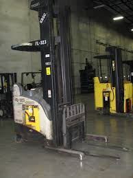 Crown High Mast Stand-up Electric Reach Forklift Model RD-5000-30, S ... Various Of Crown Bt Raymond Reach Truck From 5000 Youtube Asho Designs Full Cabin For C5 Gas Forklift With Unrivalled Ergonomics And Ces 20459 20wrtt Walkie Coronado Equipment Sales Narrowaisle Rr 5200 Series User Manual 2006 Rd 5225 30 Counterbalanced Forklifts On Site Forklift Cerfication As Well Of Minnesota Inc What Its Like To Operate A Industrial All Star Refurbished Electric Double Deep Hire 35rrtt 24v Stacker 3500 Lbs 210