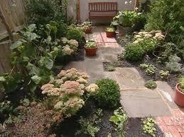 Outdoor Mesmerizing Brown Rectangle Rustic Ceramics Small Yard Design Decorative Flowers Astounding