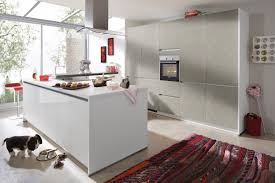 bauformat designküche mit mittelinsel und esstisch großer