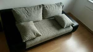 sofa gästezimmer klein wohnzimmer led staukasten