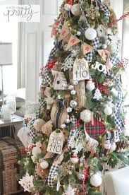 Plaid Themed Christmas Tree With Jute Decoration