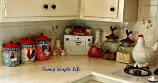 Chickens In Kitchen Decor