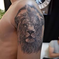 Big Lion Tattoo For People With Wide Arms