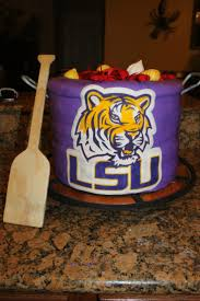 Pinterest Crawfish Boil Decorations by 11 Best Lsu Cakes Images On Pinterest Groom Cake Lsu Tigers And
