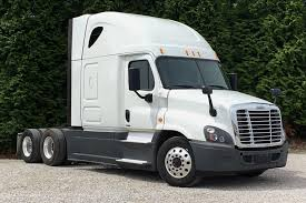 100 Freightliner Select Trucks PreOwned 2015 Corp CASCADIA Sleeper