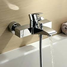 Bathtub Faucet Dripping Single Handle by Bathtub Faucet With Sprayer Dripping Single Handle When Off