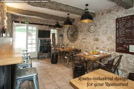 Give Rustic Interior Design For Your Restaurant