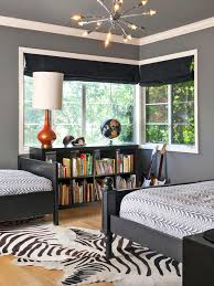 Zebra Bedroom Decorating Ideas by Complete Your Contemporary Bedroom Interior Decorating With