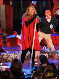 Rockefeller Christmas Tree Lighting Mariah Carey by Mariah Carey Christmas Tree Lighting With Snoopy Photo 2496982