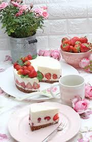erdbeer panna cotta torte