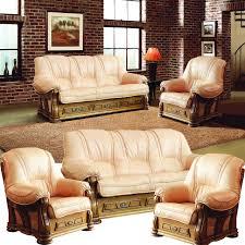 leder couchgarnitur mit holzgestell und schnitzerei im englischen stil beige