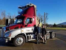 100 Daimler Truck North America Skagit Valley College Receives Donated Freightliner News And