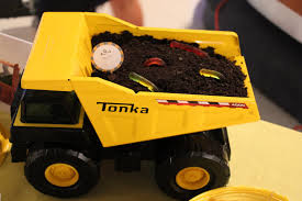 I DO Details: Construction Themed Birthday Party! Mud Trifle And A Dump Truck Birthday Cake Design Parenting Diy Awesome Party Ideas Pinterest Truck Train Cookies Firetruck Dump Kids Cassie Craves Dirt In Cstruction With Free Printable Shirt Black Personalized Stay At Homeista Invitations Dolanpedia The Mamminas A Garbage Ideal For Anthonys Our Cone Zone