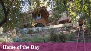 100 Tree House Studio Wood Modernist Treehouse Blends Into Its City Hillside