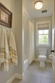 Paint Colors For Bathrooms 2017 by Best 25 Cream Bathroom Paint Ideas On Pinterest Cream Bathroom