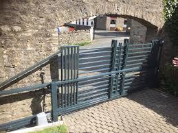 100 Contemporary Gate KSW Engineering Yorkshire Ltd Cantilever Sliding S