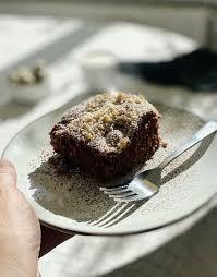 saftiger schoko kirsch kuchen mit streuseln