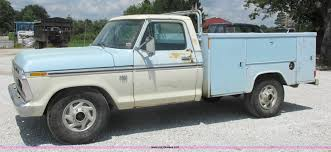 100 Ford F250 Utility Truck 1976 Utility Truck Item H3255 SOLD August 26
