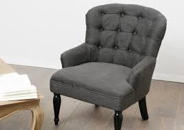 siege capitonné fauteuil capitonné meubles et décoration amadeus au grenier de