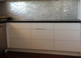 Drawers Blum Tip On Slump Flow Glass Splashback