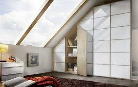 schrank dachschräge praktische lösungen innendesign
